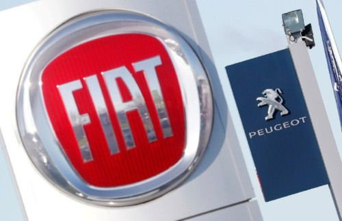 Peugeot family aims to quickly raise PSA-Fiat Chrysler stake: newspaper interview