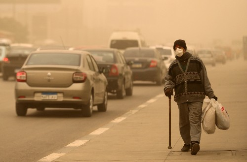 Severe sandstorm hits Egyptian cities, ports