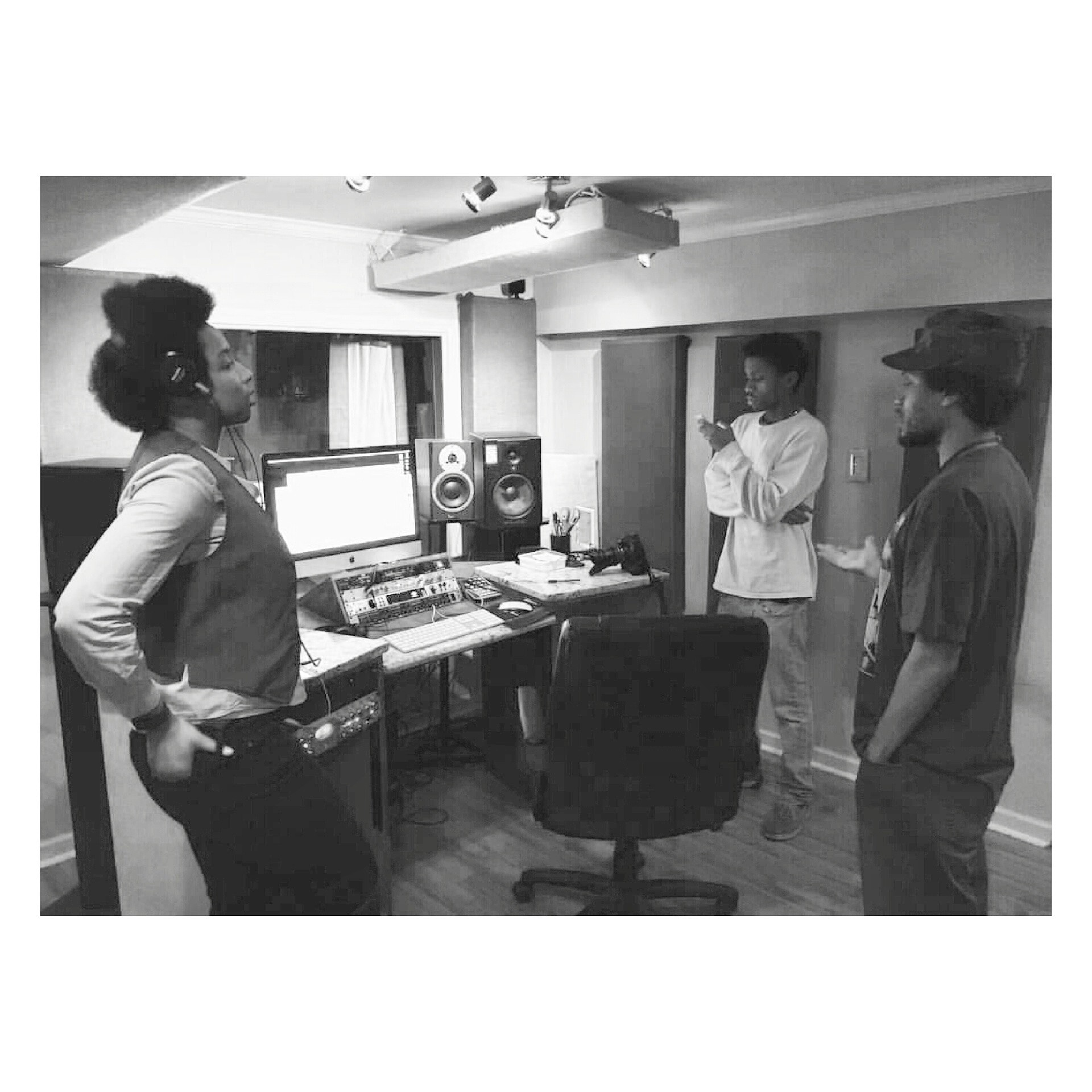 Studio hop w/ Vintage Tux #RP @TheCOHH #mylegacytour