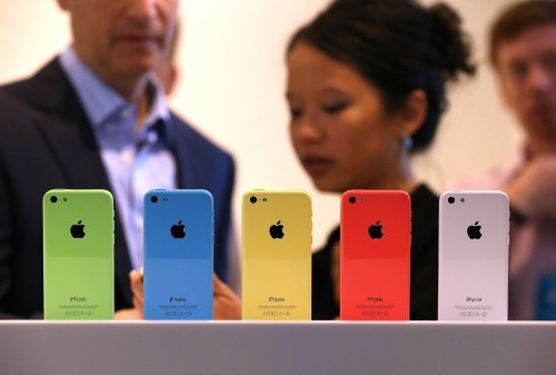 Walmart Permanently Slashes The Price Of The iPhone 5S And iPhone 5C
