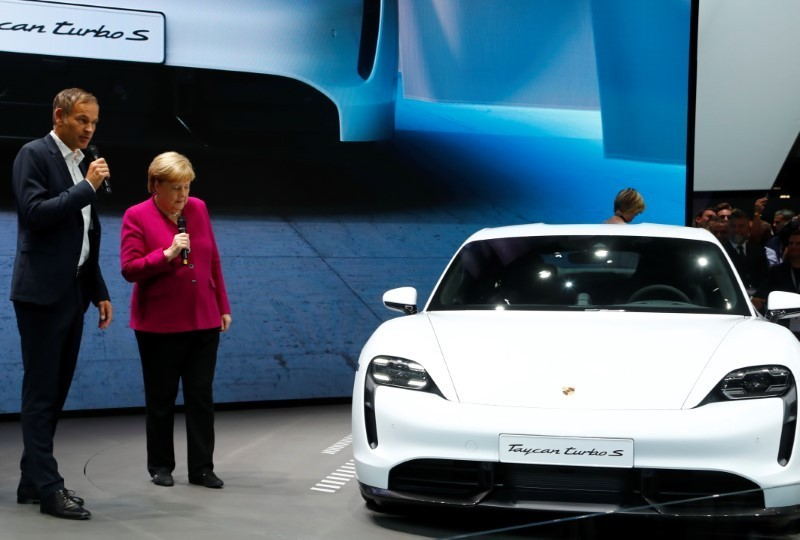 Volkswagen to install Porsche's CEO as VW brand chief: Auto Motor and Sport