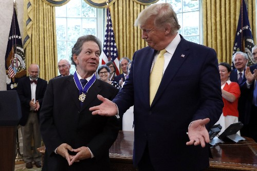 Trump honors economist who advised him on lowering taxes