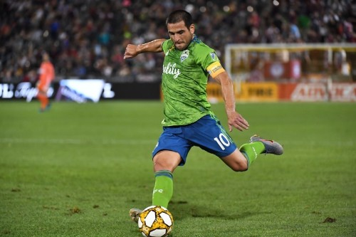 Loderio's brace pushes Sounders over Red Bulls