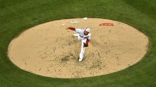 Spring training roundup: Cubs win behind Hamels' arm, bat