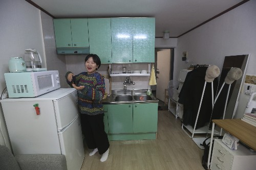 'Parasite' shines light on South Korean basement dwellers