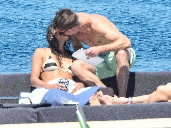 Zac Efron Spotted Kissing Michelle Rodriguez in Italy