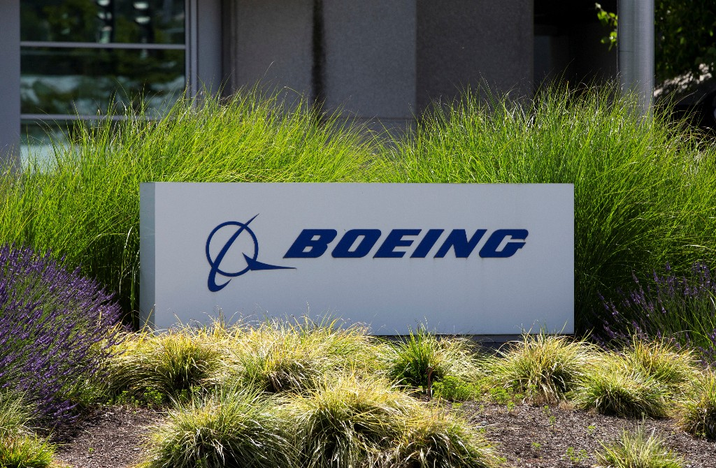 Boeing gearing up for 787 move to South Carolina - sources