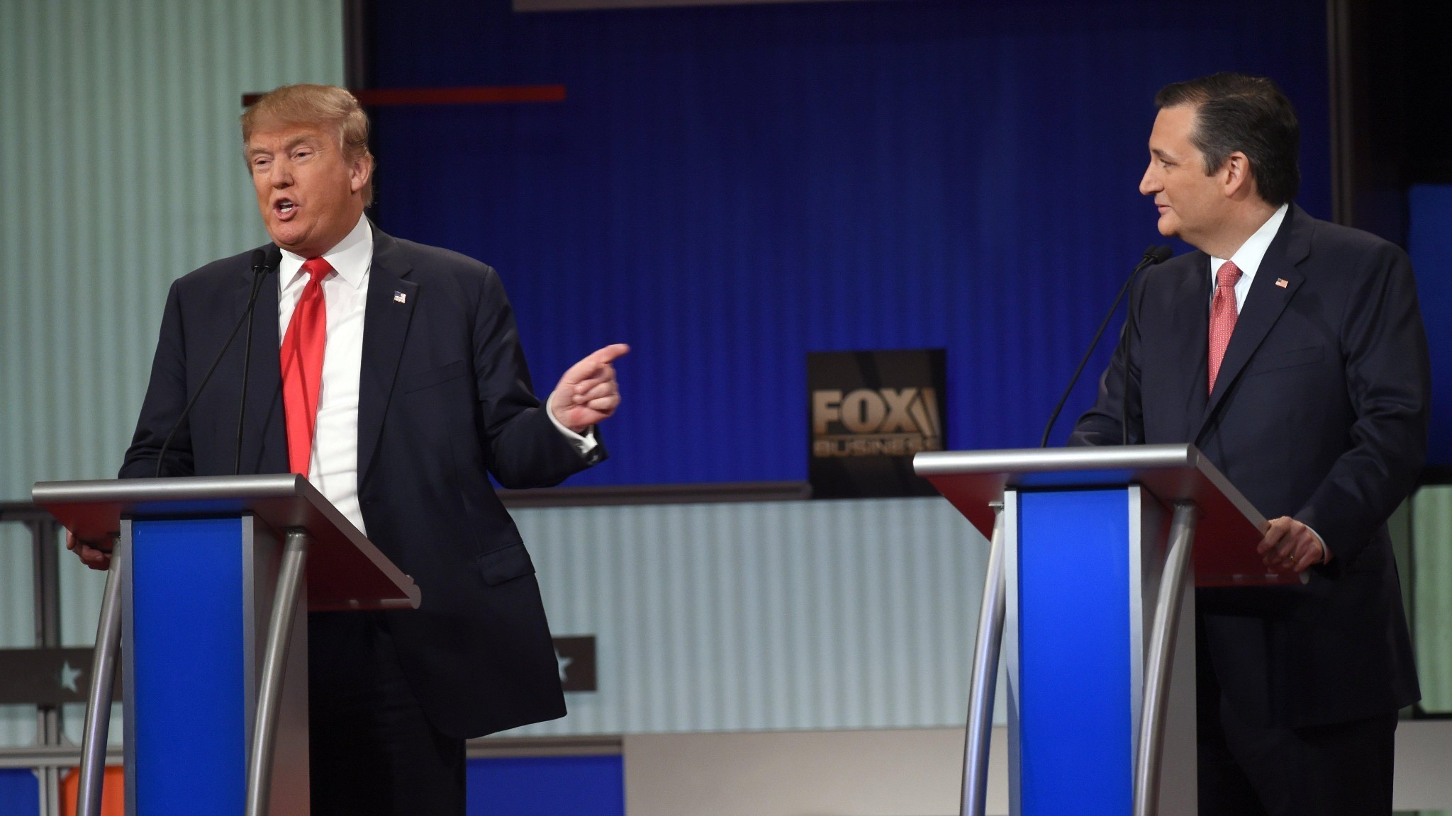 Muslims, guns and 'New York values': tensions boil over at Republican debate