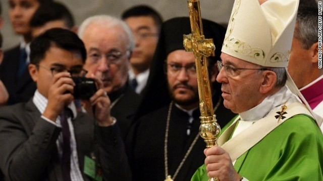 Vatican backtracks on gay comments