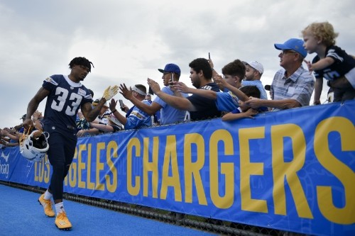Chargers' James to have surgery, miss three months