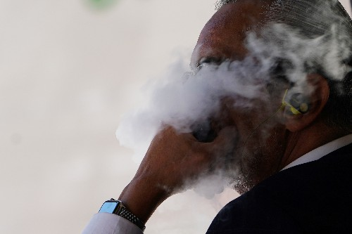 U.S. vaping-related deaths rise to 47, cases of illness to 2,290