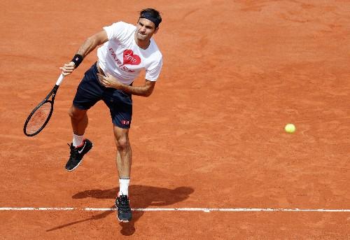 Tennis: Lorenzo Sonego vs Roger Federer