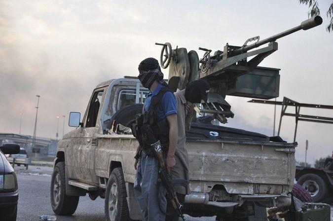 Iraqi Militants Seize More Towns, Reportedly Execute Civilians