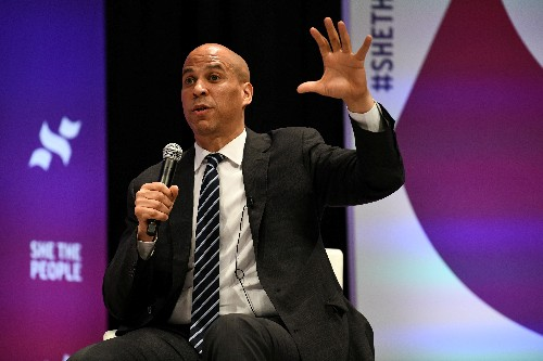 U.S. Democratic hopeful Booker proposes clemency for thousands of drug offenders