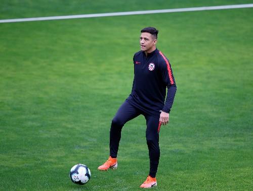 Soccer: Sanchez keen on staying at Man United, says Solskjaer