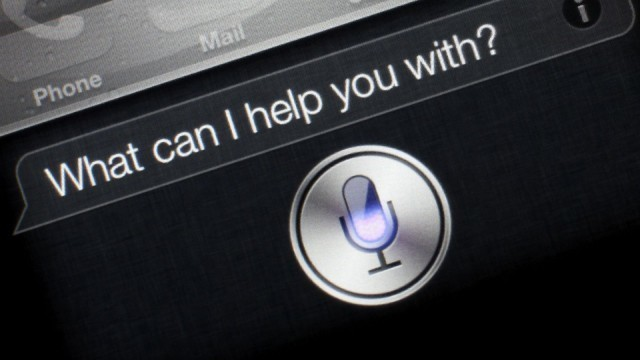 ¿Qué? Siri destroys Cortana and Google Now on language accuracy