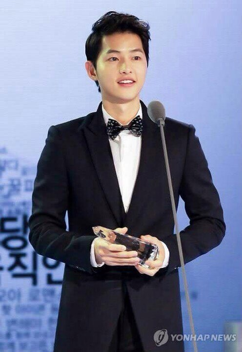 Song Joong Ki will make appearance on 2016 Style Icon Award on March 15. Main event show will start at 22:00 KST.