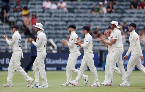 South Africa are bowled out for 183 and trail England by 217 runs