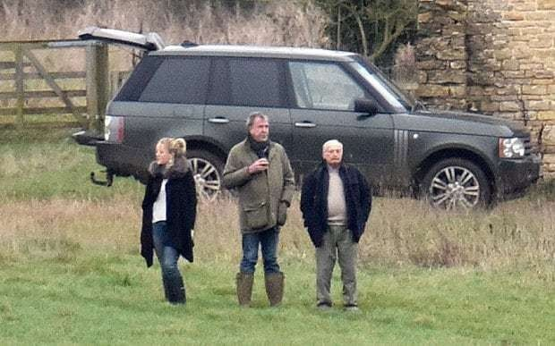 Top Gear's Jeremy Clarkson watches Boxing Day Hunt