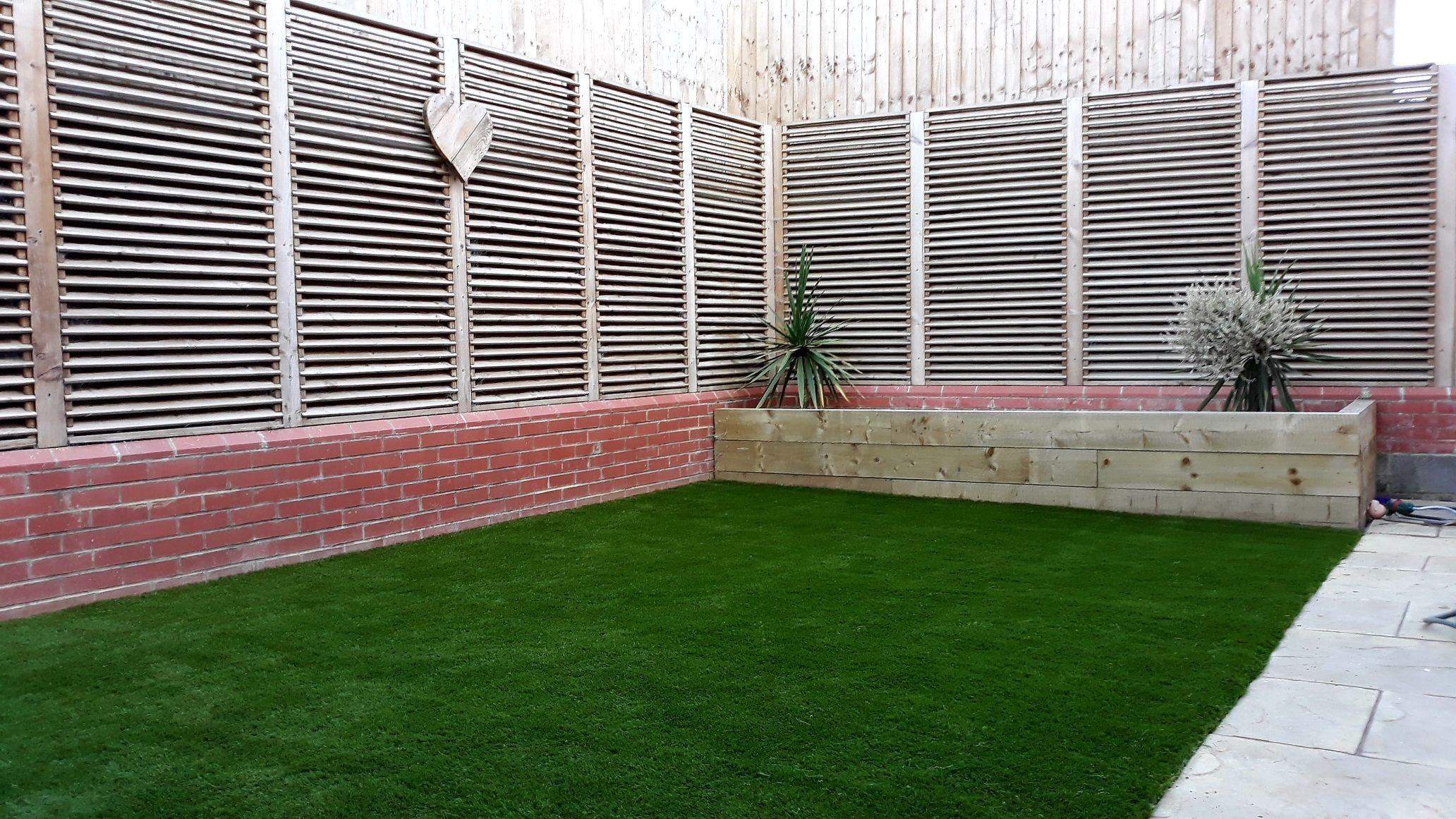 Backyard #ARTTRAGrass #artificialgrass installation