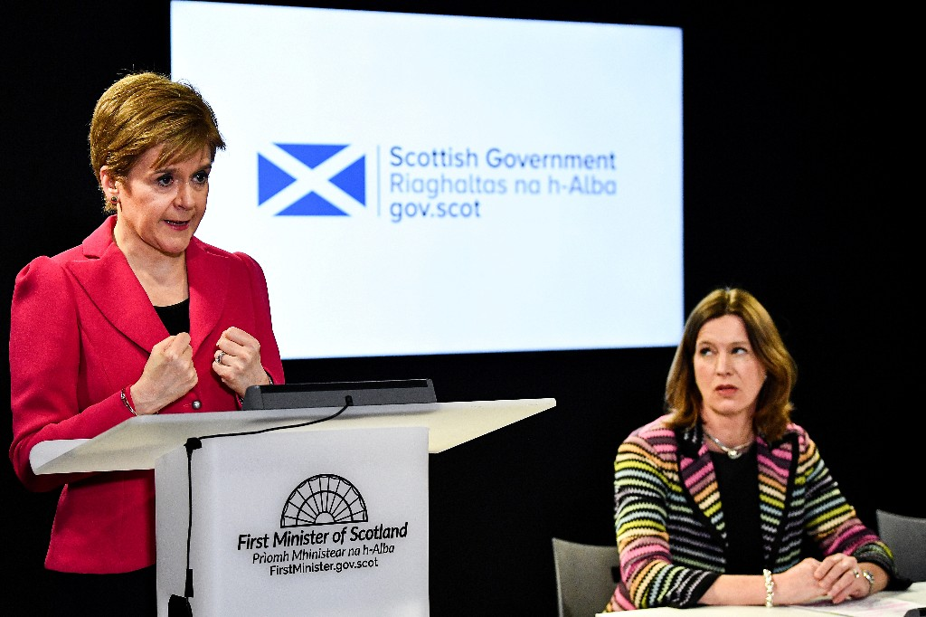 Scotland's chief medical officer sorry about breaking own coronavirus rules