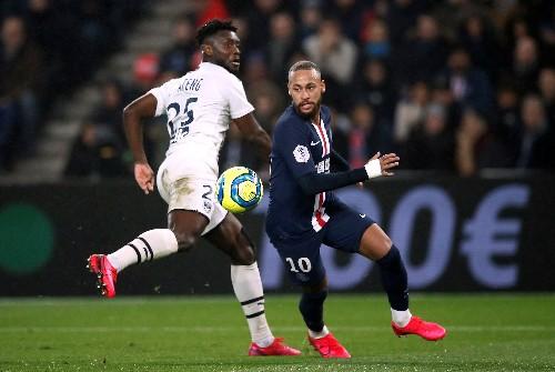 Neymar sent off as shaky PSG beat Bordeaux