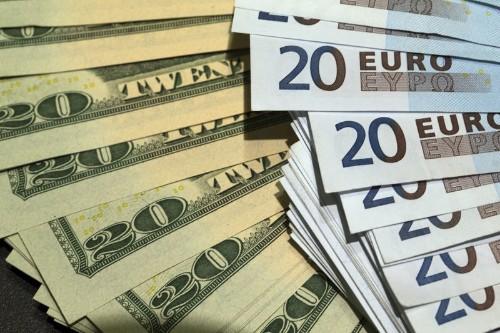 ЦБР опросил 24 крупнейших банка о запасах иностранной валюты