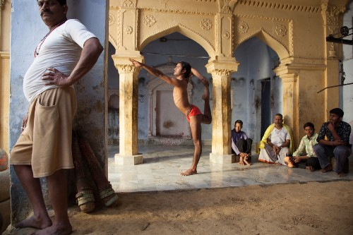 THE SELECTS: 'On Yoga, The Architecture of Peace'