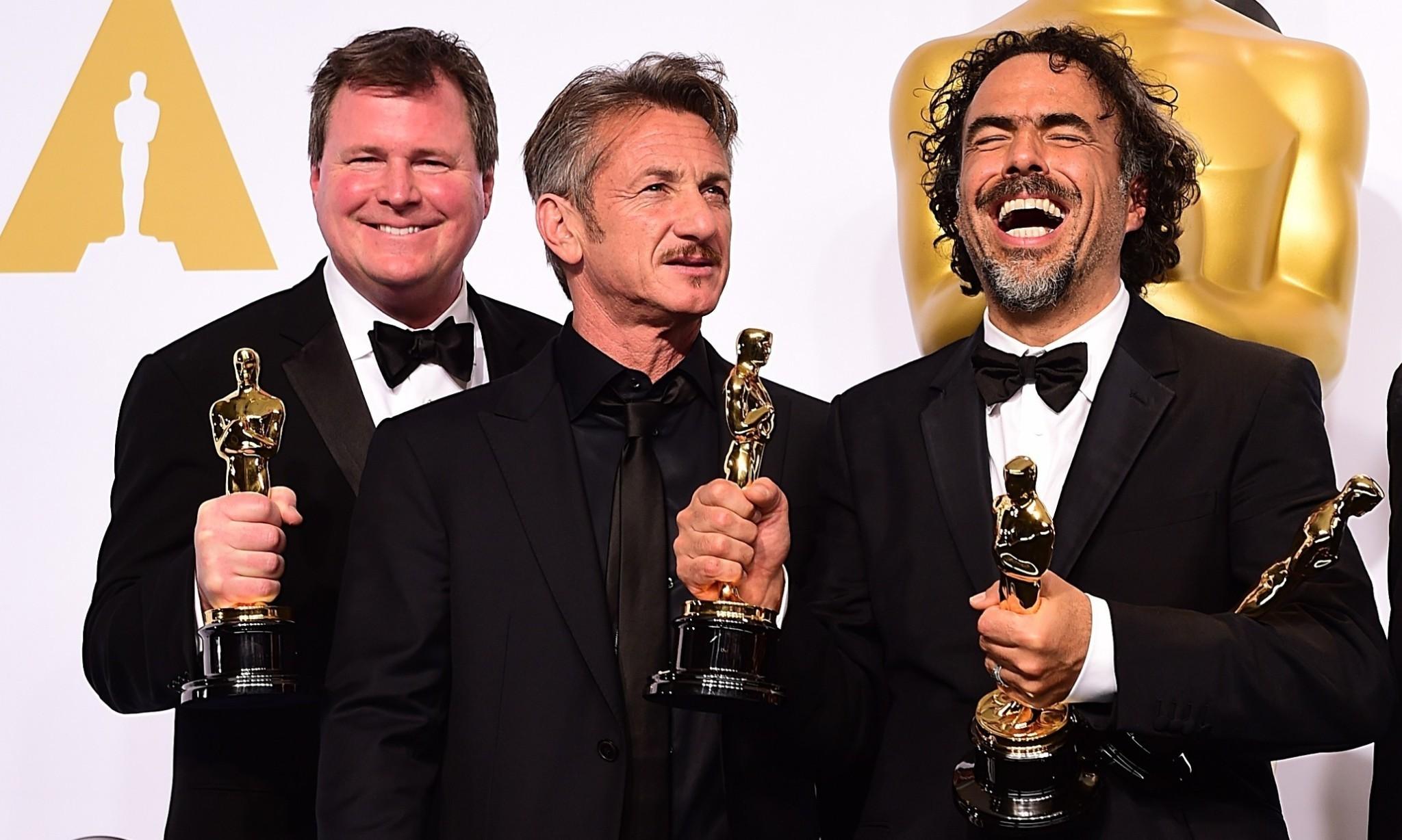Sean Penn's green card gag falls flat, but was it just a joke between friends?