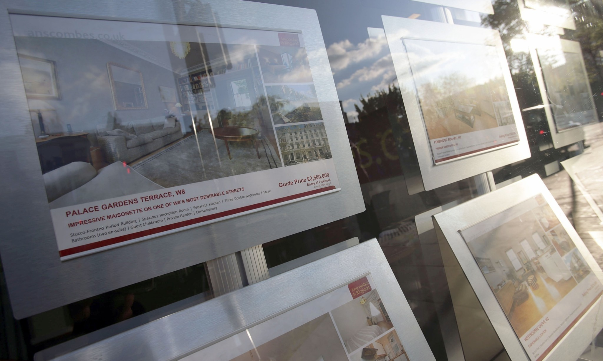 Property asking prices fall as keen sellers seek winter buyers