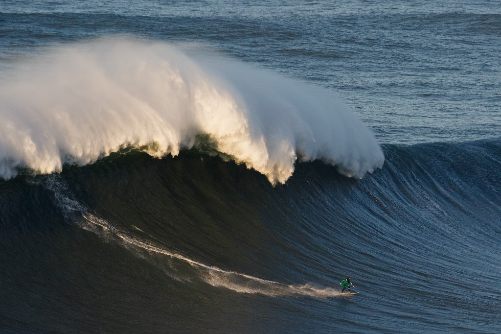 Big Wave Surfing in Portugal: Pictures