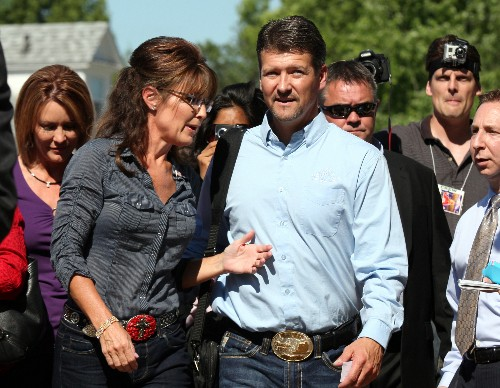 Palin says she learned of divorce plans from attorney