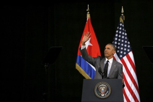 Obama ending policy giving residency to Cubans arriving in U.S.