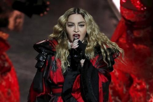 Madonna, criticada por su comportamiento en el escenario en Australia