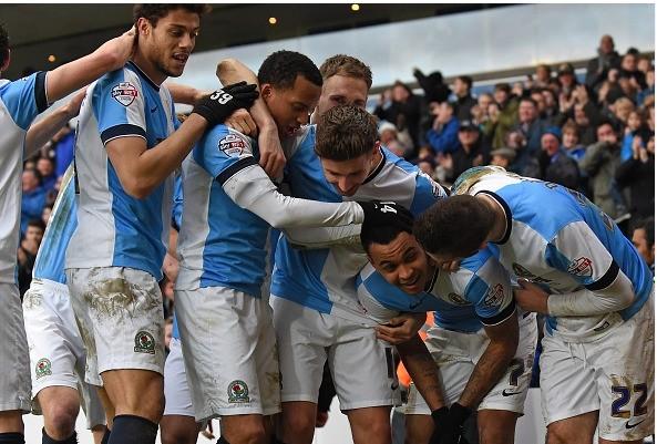 Continúa la magia en la FA Cup. Blackburn Rovers venció, remontando, 4-1 al Stoke City. La magia de Inglaterra.