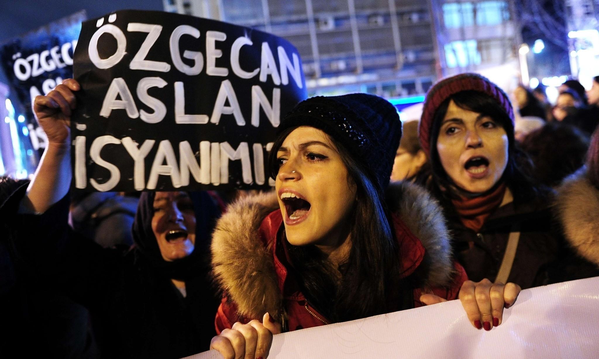 Turkish woman Ozgecan Aslan's murder sparks anti-violence campaign #sendeanlat