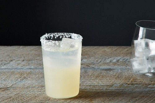 How to Make a Paloma - Tequila Drink