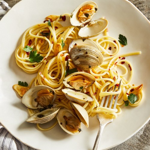 How I Outsmarted My 2-Year-Old With Clam Pasta