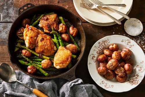 Crispy Chicken Thighs With Asparagus, Bacon & Potatoes