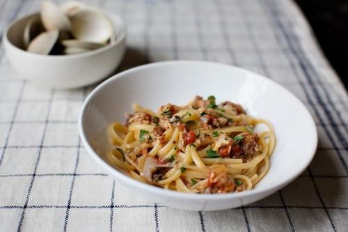 Dinner Tonight: Linguine con Vongole + Grilled Summer Squash