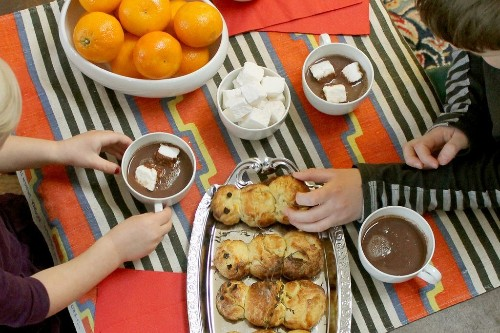 Hosting a Hot Chocolate and Brioche SnowmanParty