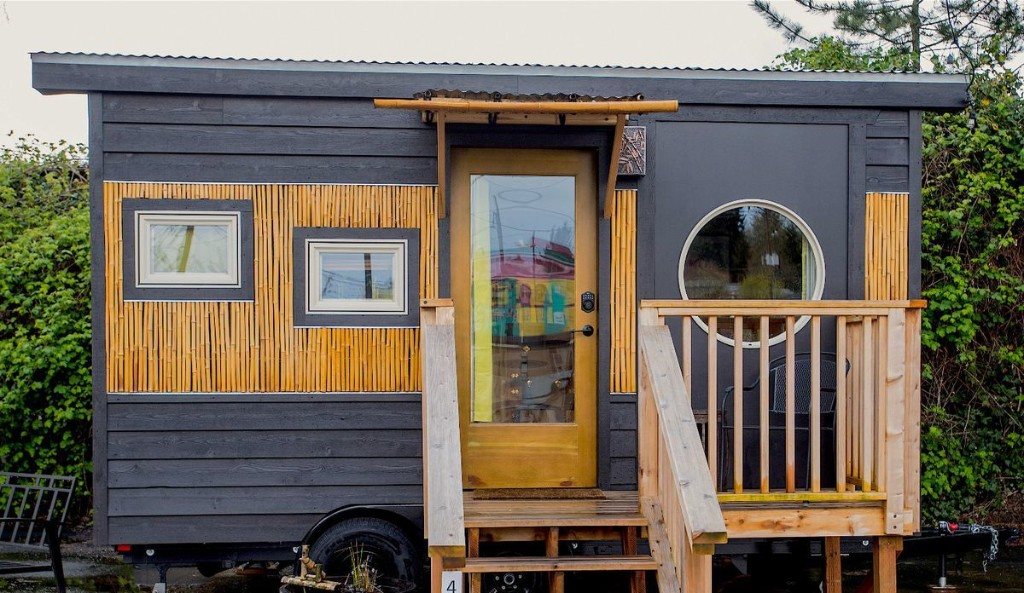6 Space-Saving Ideas I Learned From Staying in a Tiny House