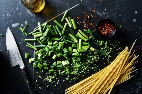 A 3-Ingredient Charred Scallion Pasta for Spring Weeknights