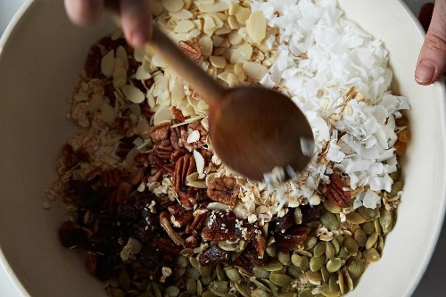 How to Make Granola Without a Recipe - Holiday Breakfasts