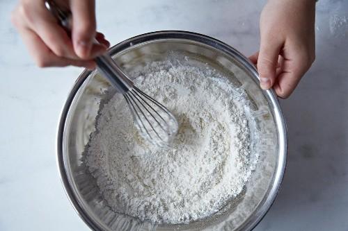 How to DIY Cake Flour and Self-RisingFlour