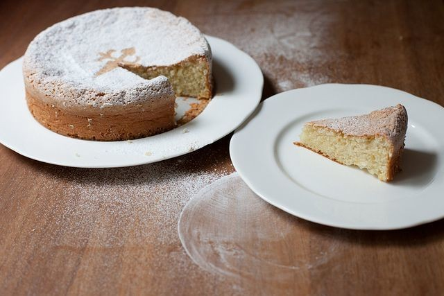 How to Make Galician Almond Cake