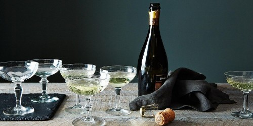 A Magical Trick for Keeping the Sparkle in Your SparklingWine