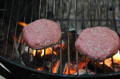 Tips for Grilling the Perfect (Non-Puffy)Burger
