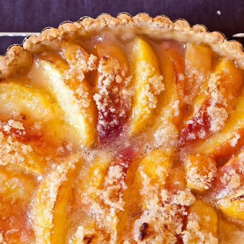 When Amanda Hesser Is Short on Supplies, She Makes This Peach Tart