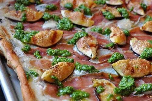 Grilled Pizza with Figs, Prosciutto, Gorgonzola and ArugulaPesto